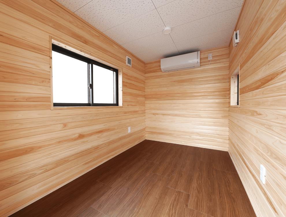 福島県産檜に包まれる快適で、居住性が高い高機能木製プレハブ